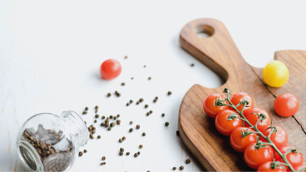 Quick Vegan Dinner with Tomato Sauce